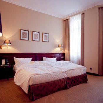 هتل اپرا کی یف 5 ستاره