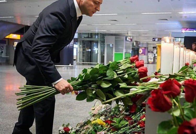 حضور زلنسکی رئیس جمهور اوکراین در فرودگاه بوریسپیل کی یف